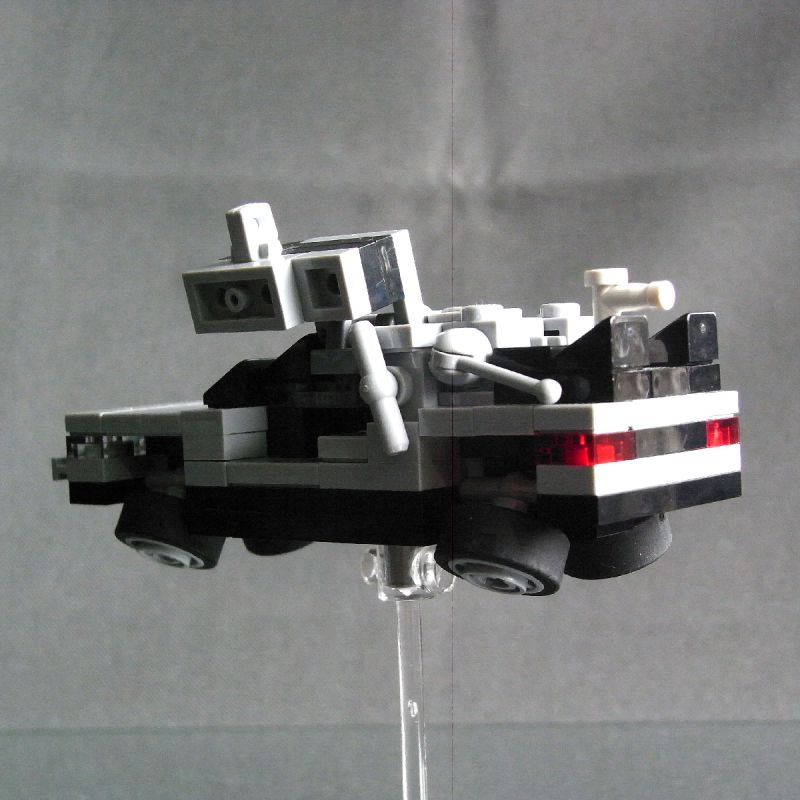 DeLorean Time Machine (4-Wide) with Hover Mode